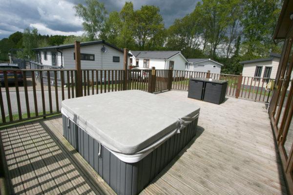Hot Tub_Deck Area