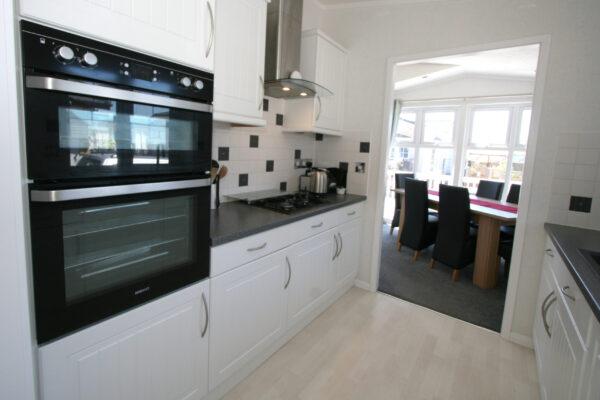 Kitchen_Dining Area