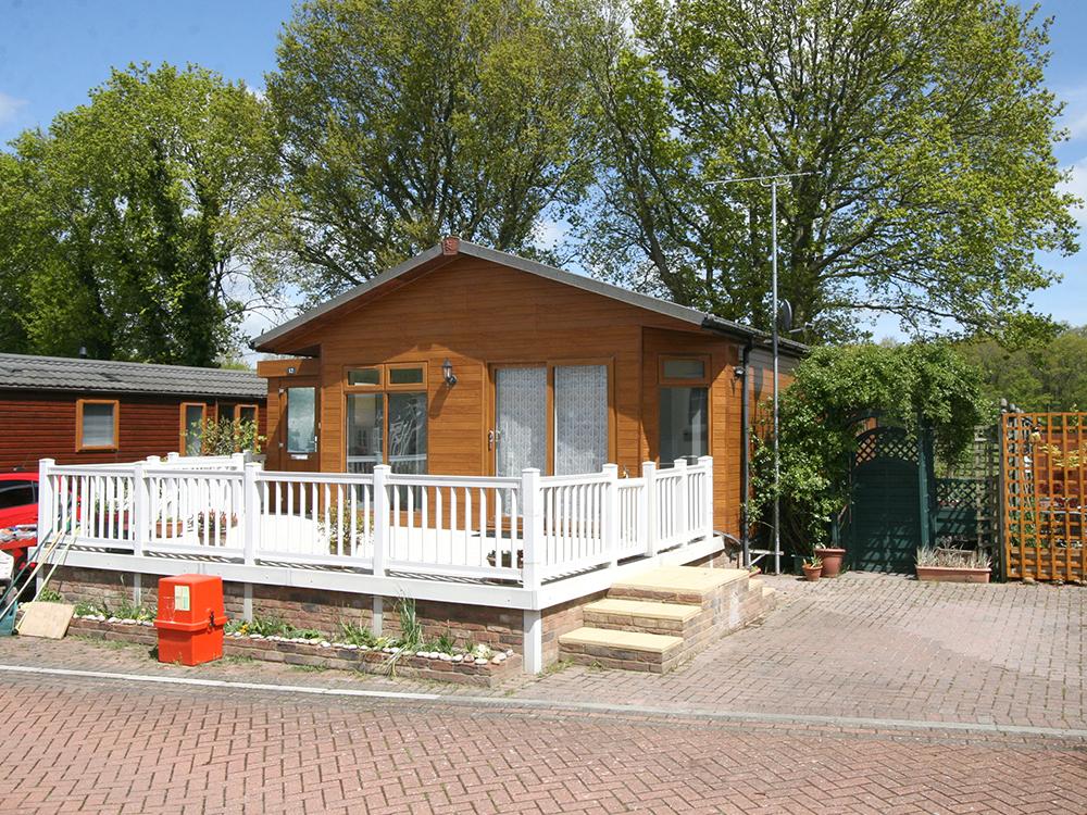 12 Woodlands Lodge